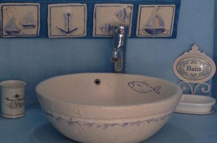 15_studio_bathroom-sink